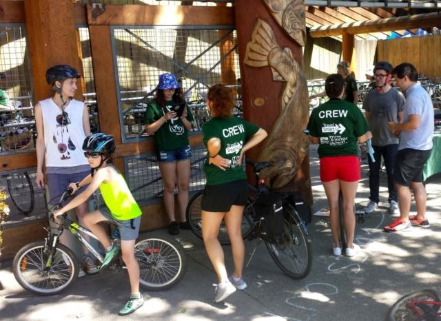 Granville Island valet pour vélo en partenariat avec BEST